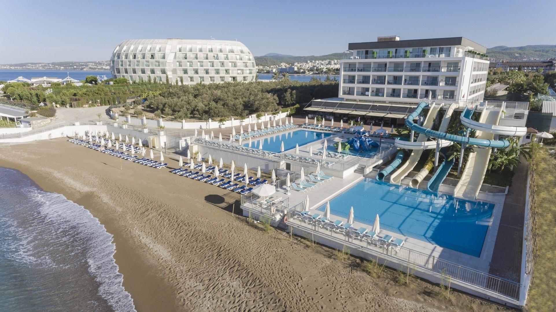 Hotel Gold Island #3