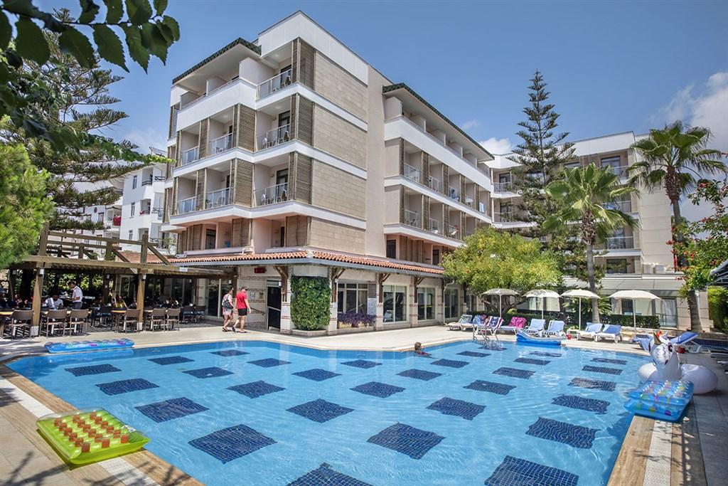 Hotel Trendy Side Beach