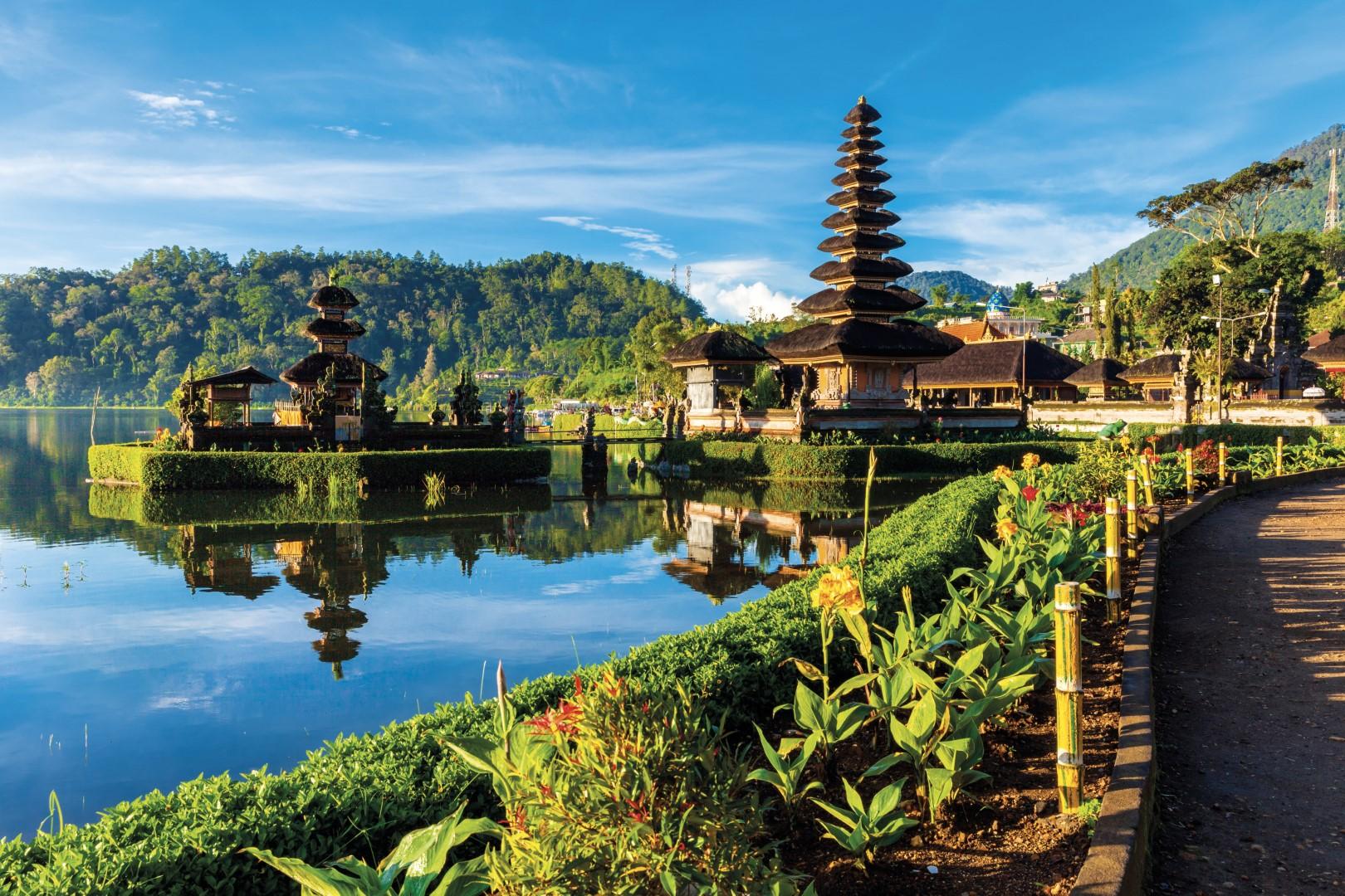 Za koupáním a poznáváním Bali