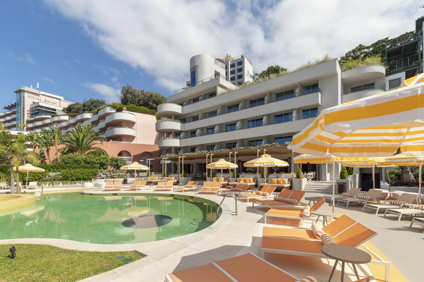 Hotel Next