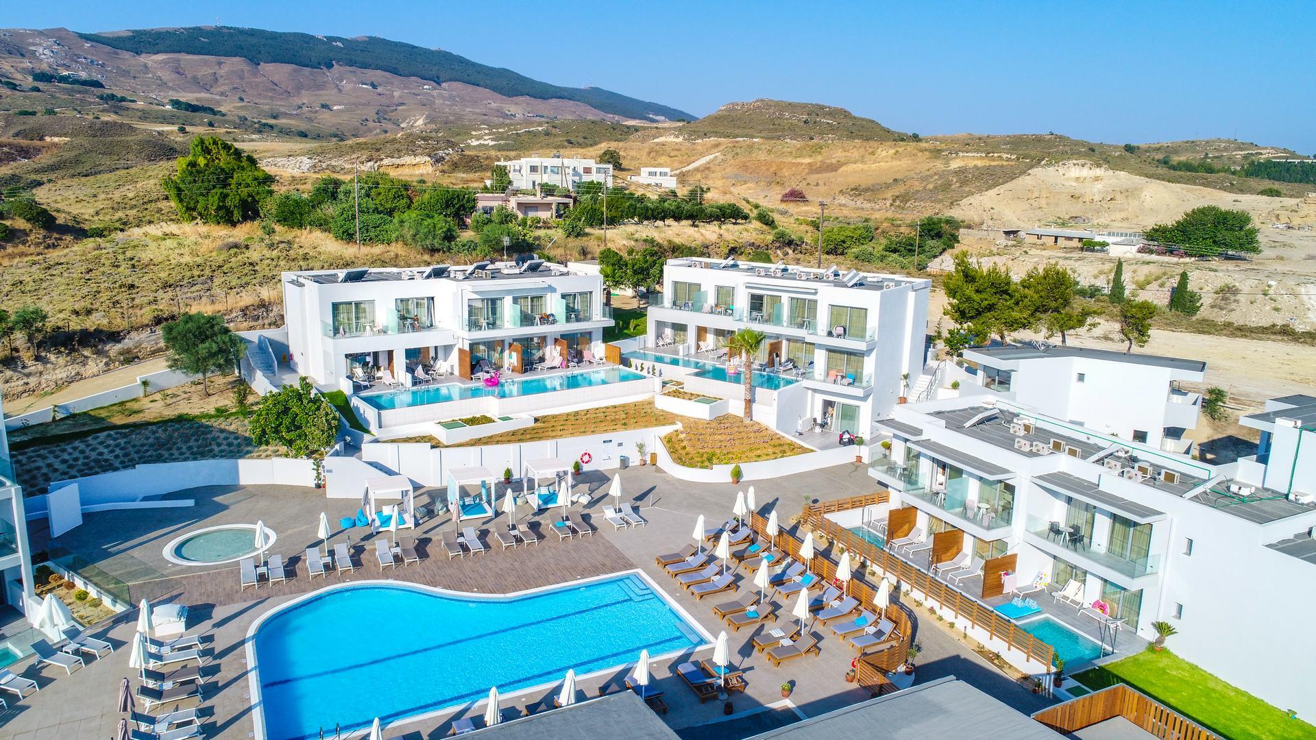 Hotel Harmony Crest Resort #4