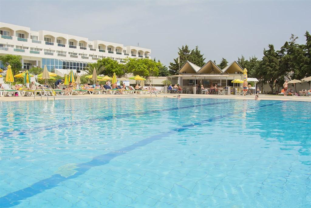Hotel Sovereign Beach #2