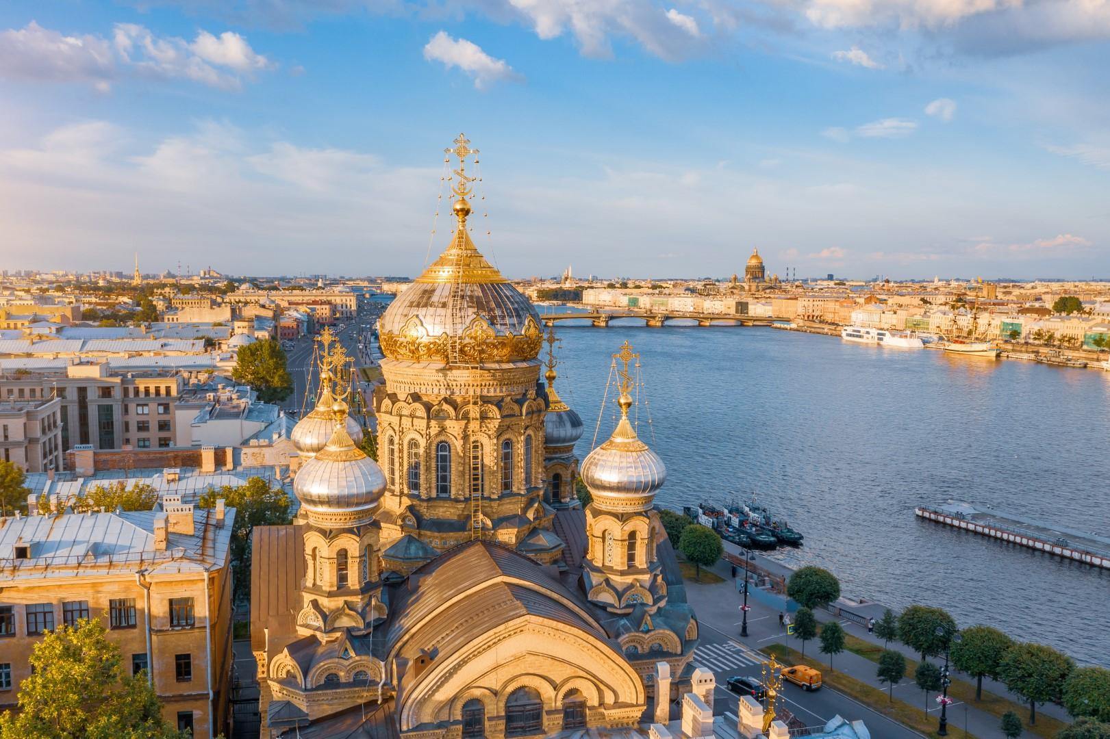 Jedinečné krásy Petrohradu a okolí