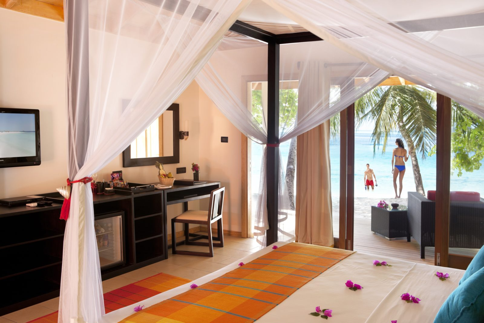 Vilamendhoo Island Resort & Spa #2