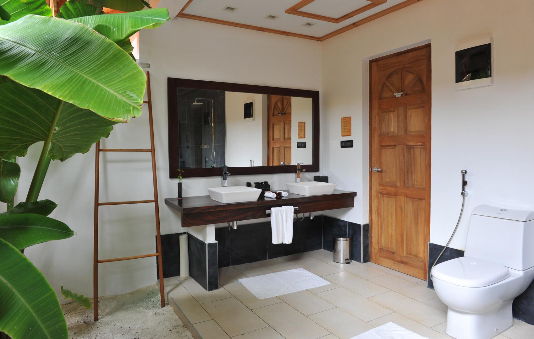 Vilamendhoo Island Resort & Spa #3