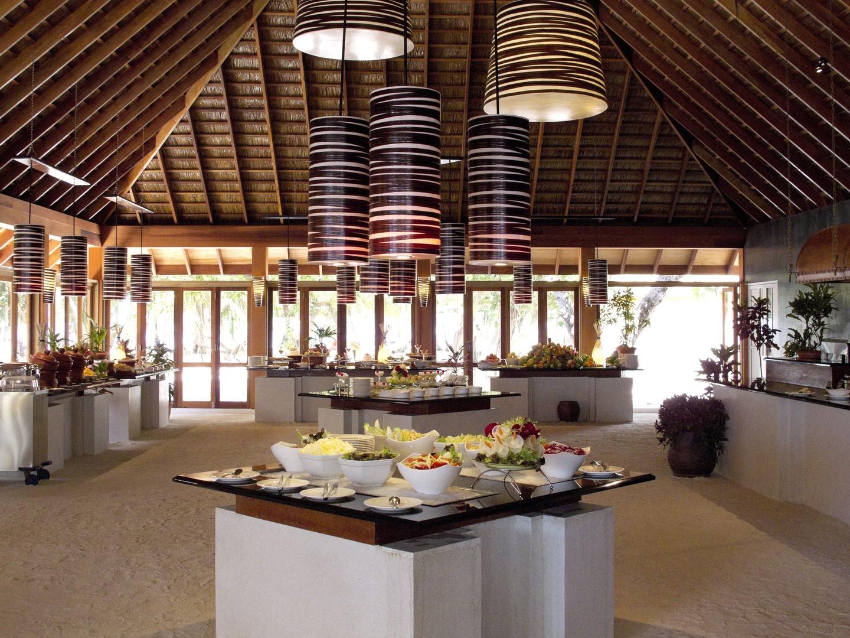 Vilamendhoo Island Resort & Spa #4