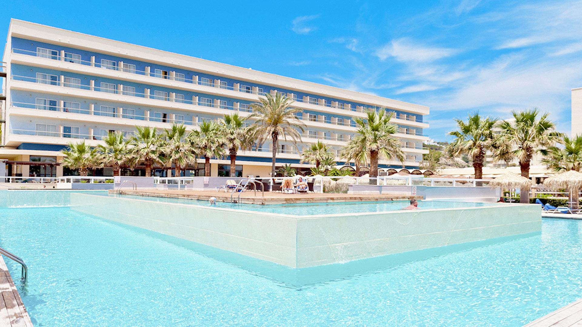 Hotel Blue Sea Beach Resort