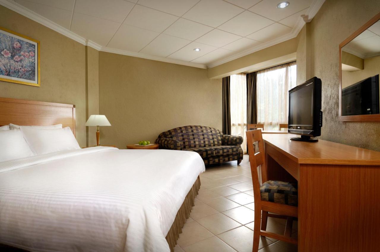 Hotel Berjaya Beau Vallon Bay #5