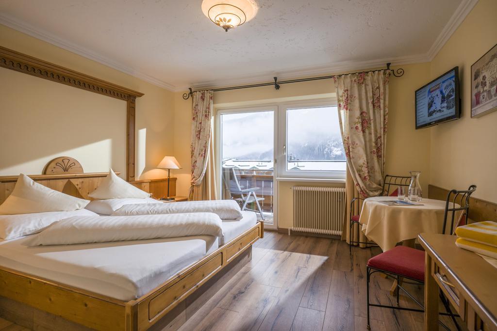 Hotel Pension Rotspitz #4