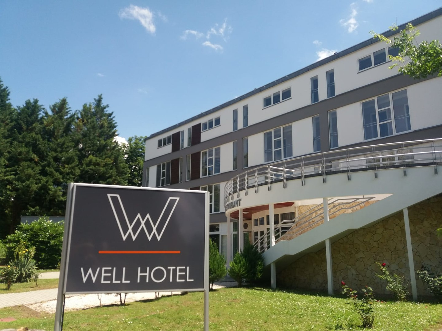 Hotel Well