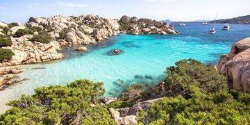 Sardinie - okruh smaragdovým ostrovem letecky
