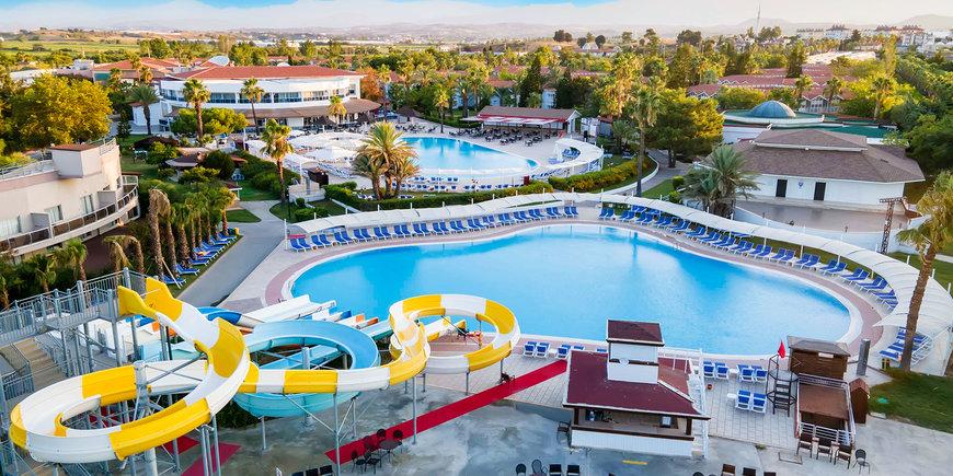 Hotel Euphoria Palm Beach Resort