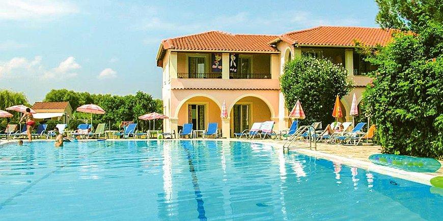 Hotel Kamari Studios & Apartments