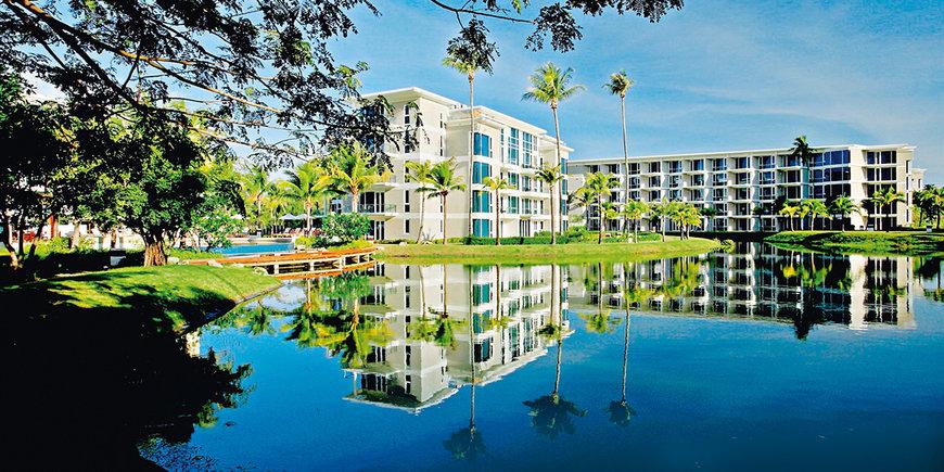 Hotel Grand West Sands Resort & Villas Phuket
