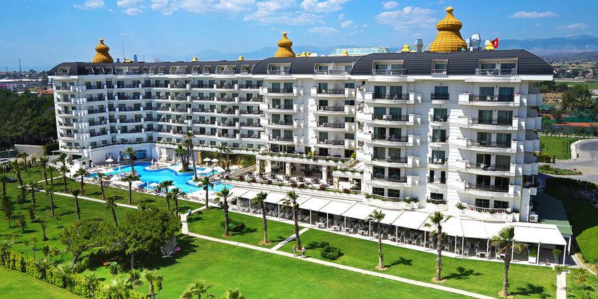 Hotel Heaven Beach Resort & Spa