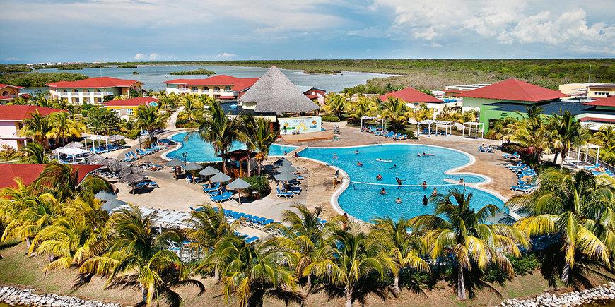 Hotel Memories Caribe Beach Resort