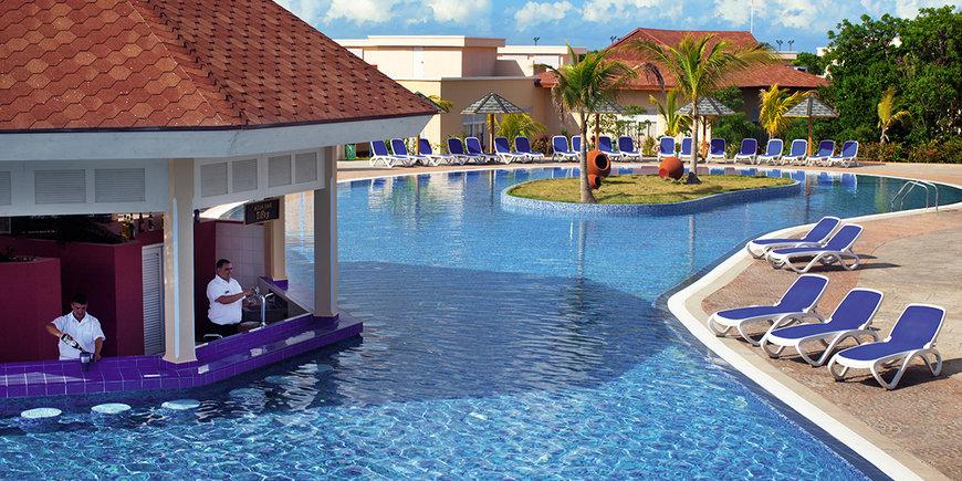 Hotel Memories Flamenco Beach Resort