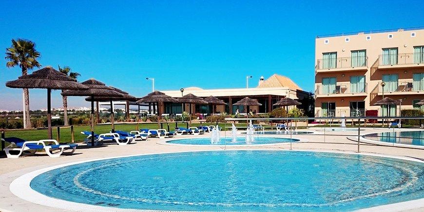 Hotel Cabanas Park