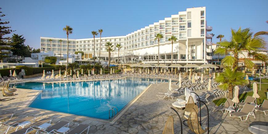 Hotel Leonardo Plaza Cypria Maris Beach & Spa