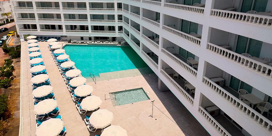 Hotel Blue Sea Lagos De Cesar