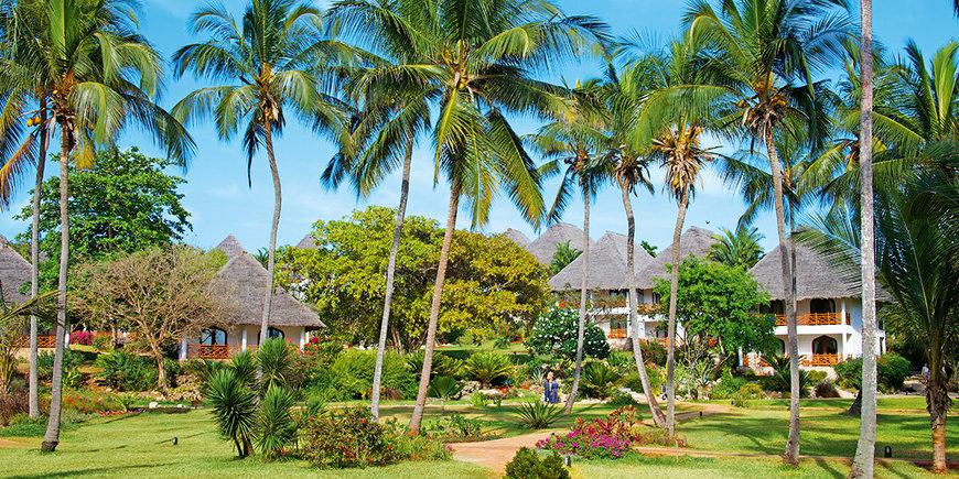 Hotel Bluebay Beach Resort & Spa