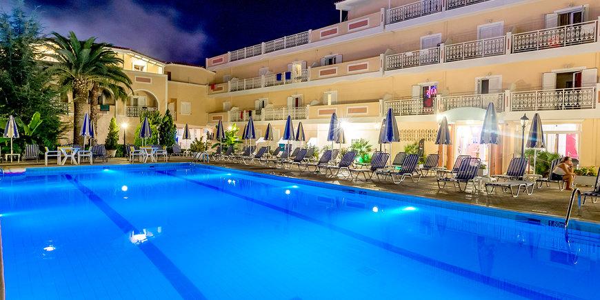 Hotel Ionis Art