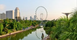 Wieżowce Singapuru i plaże Tajlandii