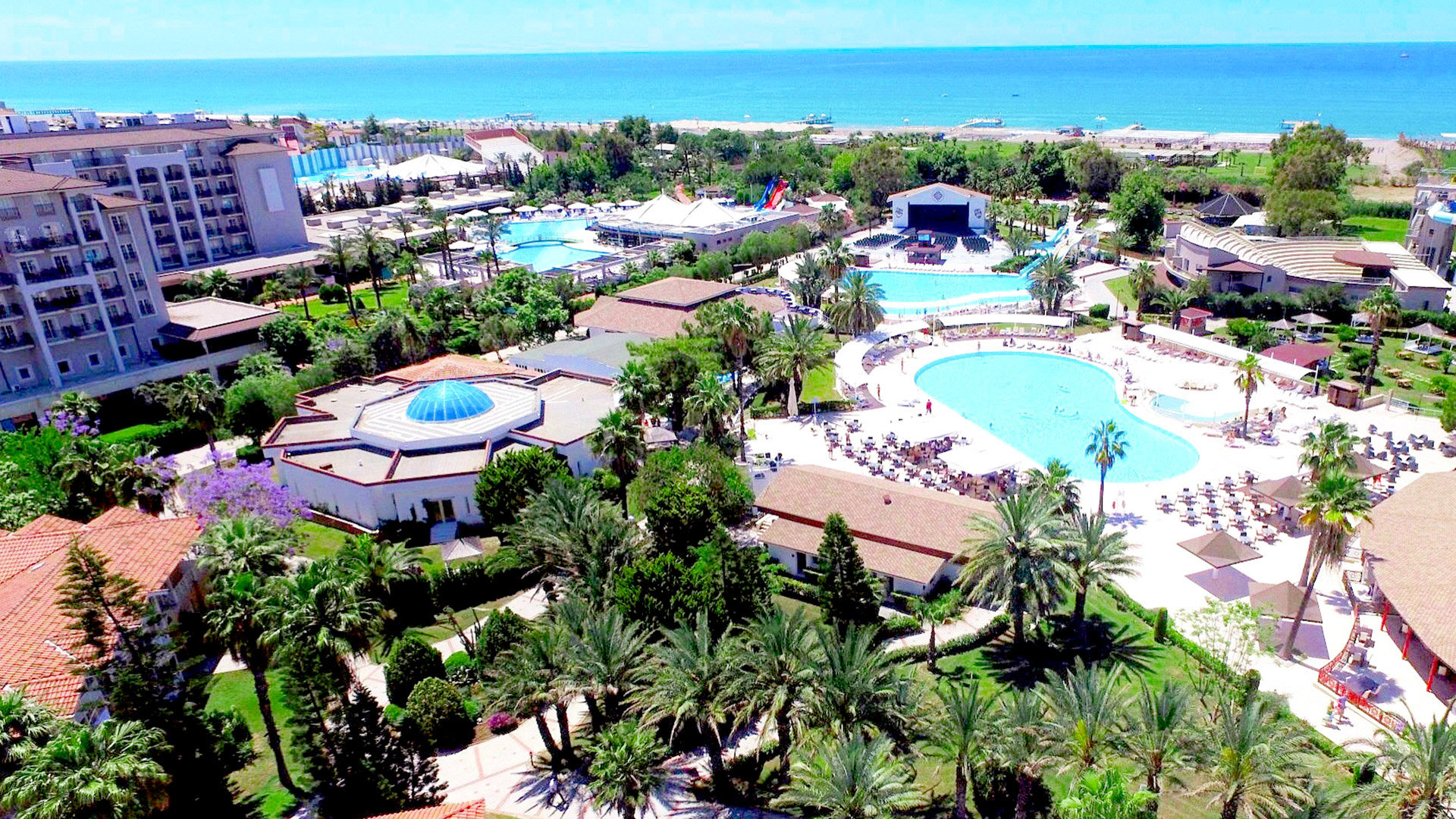 Hotel Euphoria Palm Beach Resort