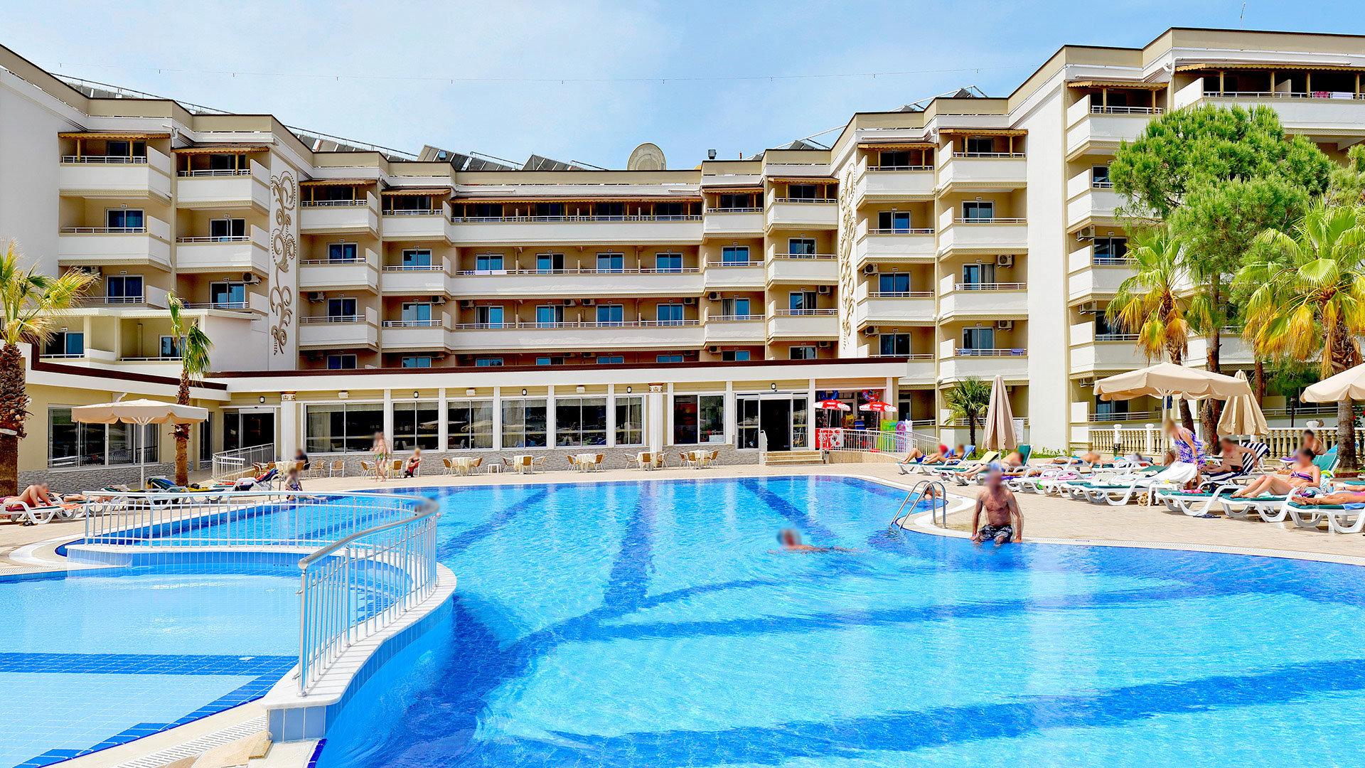Hotel Linda Resort