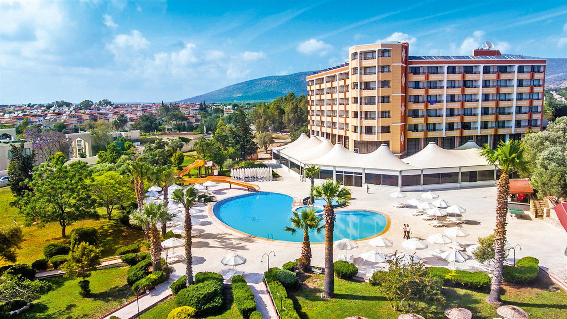 Hotel The Holiday Resort