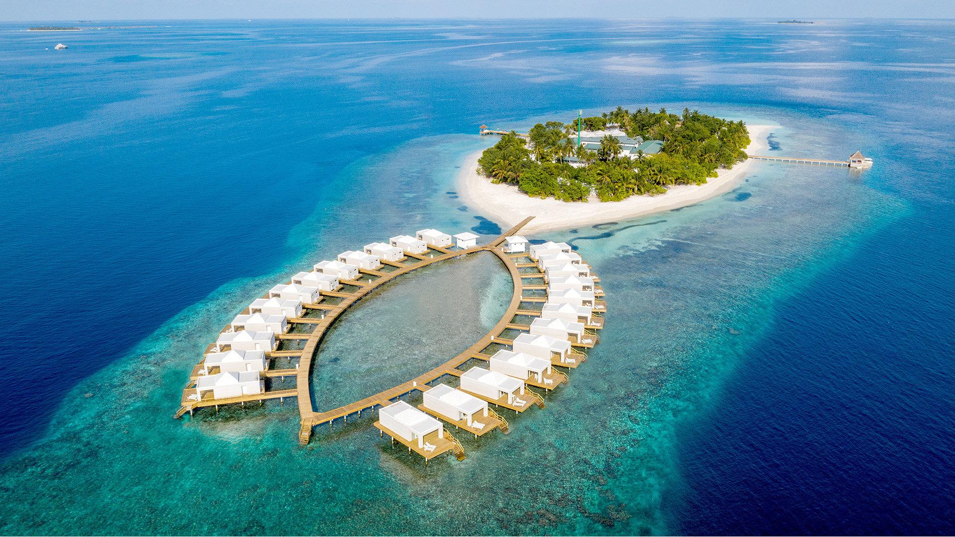 Hotel Sandies Bathala Resort