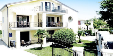 Apartments Danex Aida