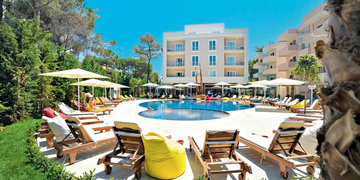 Hotel Sandy Beach Resort