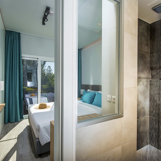 Hotel Enorme Armonia Beach