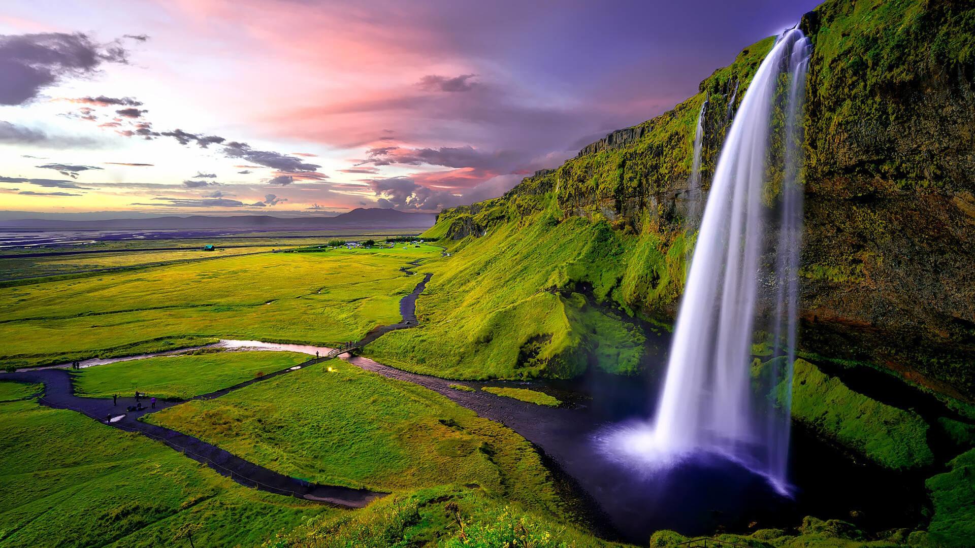 Islandija – ledo ir ugnies žemė