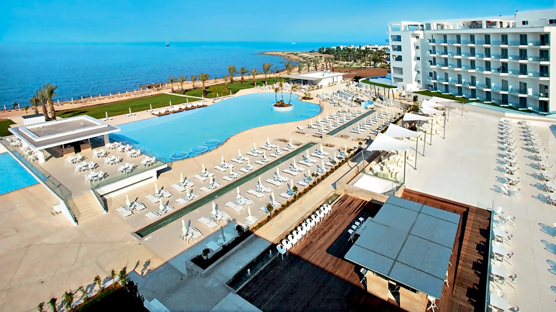 King Evelthon Beach & Resort